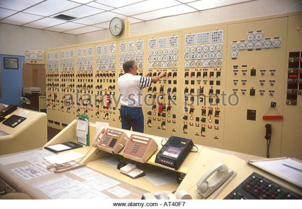 control-room-of-bonneville-power-authority-dam-on-the-columbia-river-at40f7